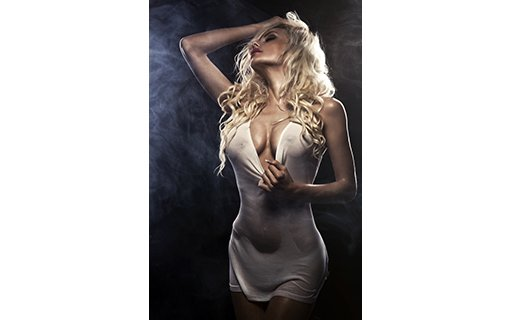 https://personallifemedia.com/wp-content/uploads/2017/02/sexy-beautiful-blonde-woman-posing-in-white-shirt.jpg