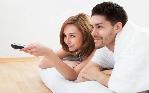 https://personallifemedia.com/wp-content/uploads/2017/06/couple-lying-on-mattress-watching-television.jpg