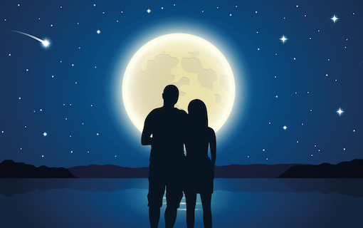 https://personallifemedia.com/wp-content/uploads/2020/03/Couple-In-Moonlight.jpeg