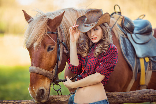 https://personallifemedia.com/wp-content/uploads/2020/05/Girl-With-Horse.jpeg