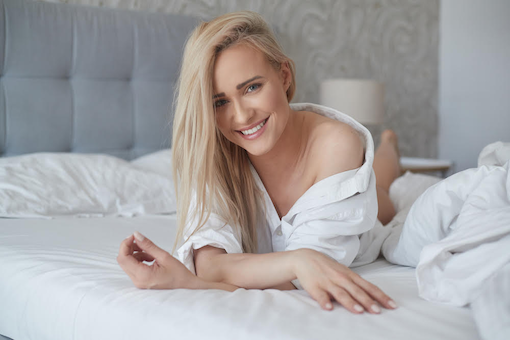 https://personallifemedia.com/wp-content/uploads/2020/08/Pretty-Girl-In-Bed.png
